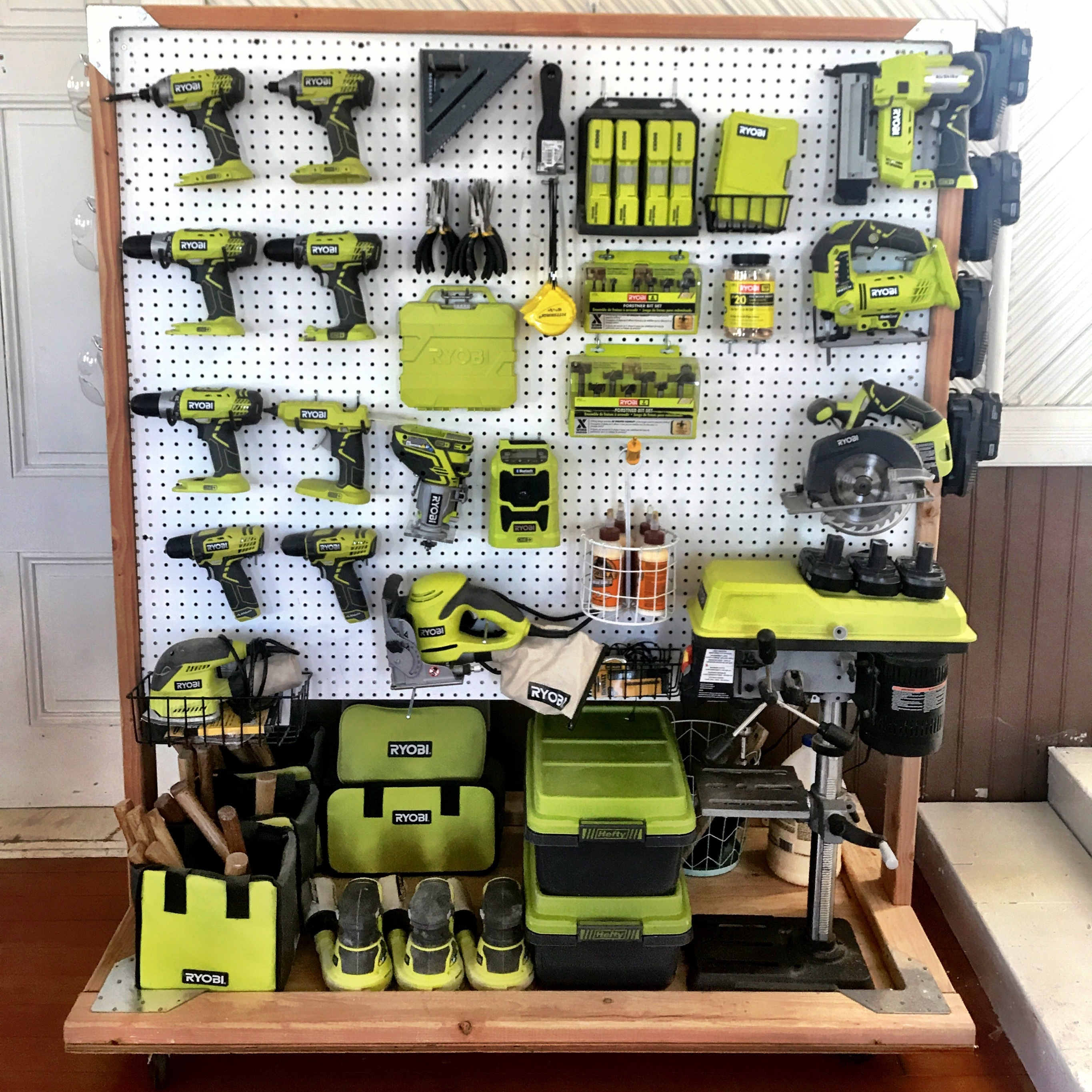 Shop Storage: Rolling Ryobi Workshop