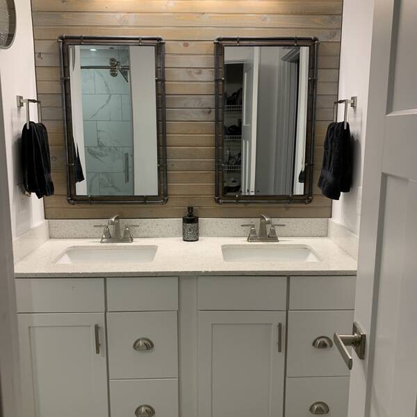 Photo: Master Bathroom - Vanity Wall