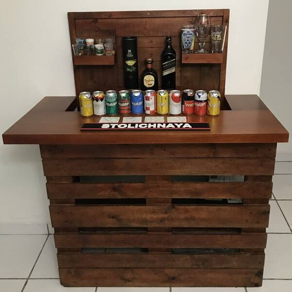 Photo: Pallet bar with mahogany slab top.