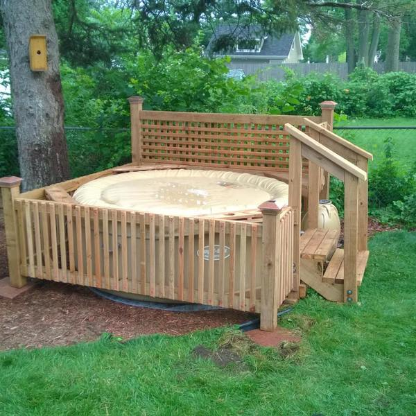 Photo: Hot Tub and Privacy Trellis