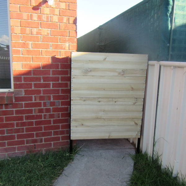 Photo: Simple Temporary Fence