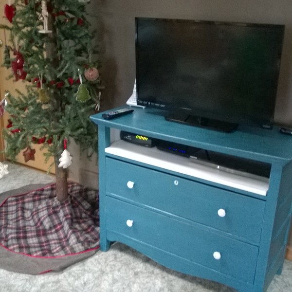 Photo: Up-Cycled TV Stand