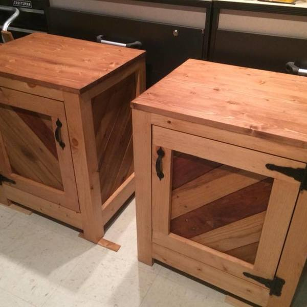 Photo: Pallet Wood Panelling Nightstands