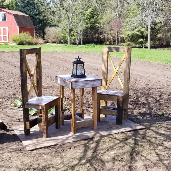 Photo: OUTDOOR TABLE AND CHAIRS