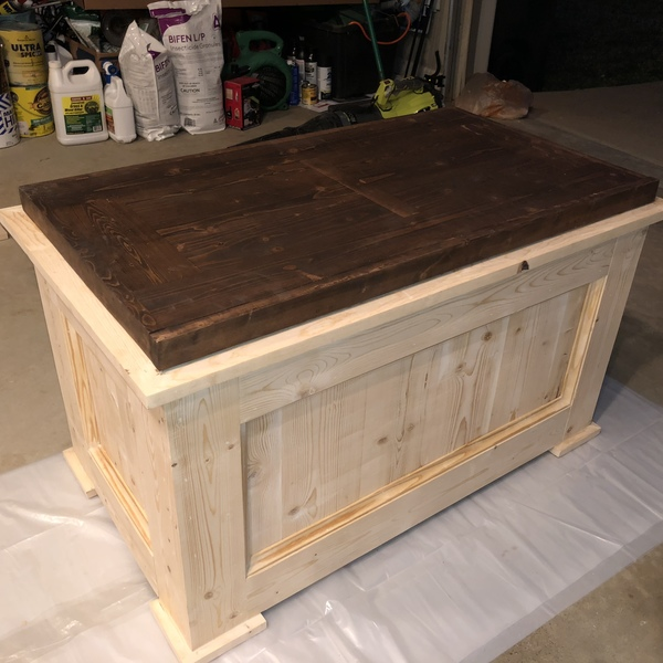 Barrett Trunk Coffee Table With Lift Top: Lift Top Trunk Coffee Table