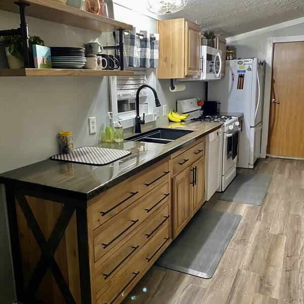 Photo: Kitchen Cabinets