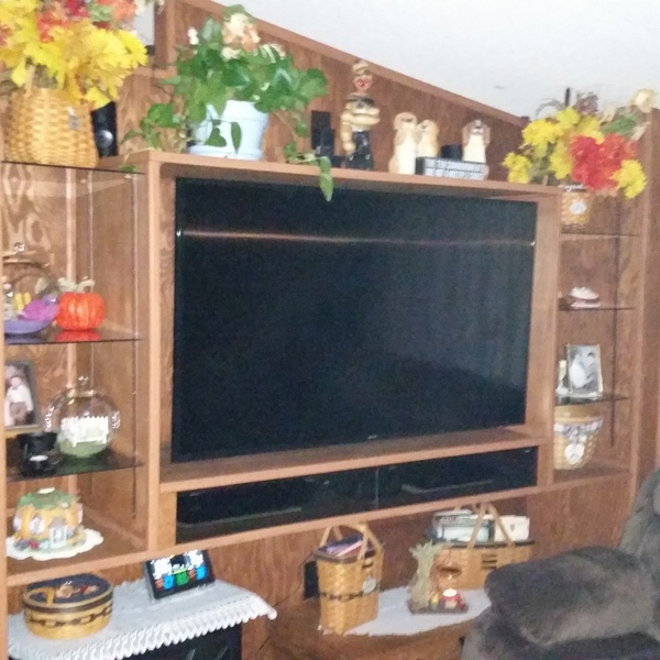 Photo: TV/Shelf wall unit