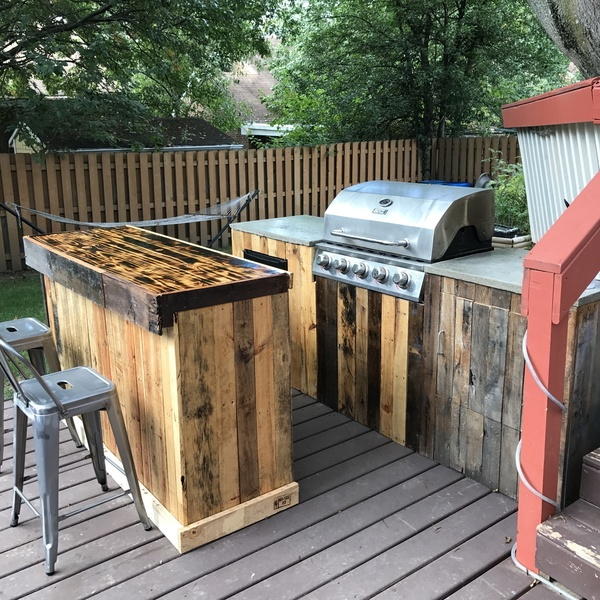 Palletwood Outdoor Kitchen