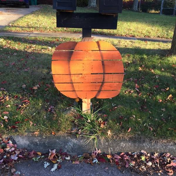 Photo: Quick Scrap Wood Pumpkin