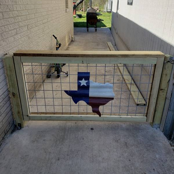 Photo: Corral board Fence and Gate