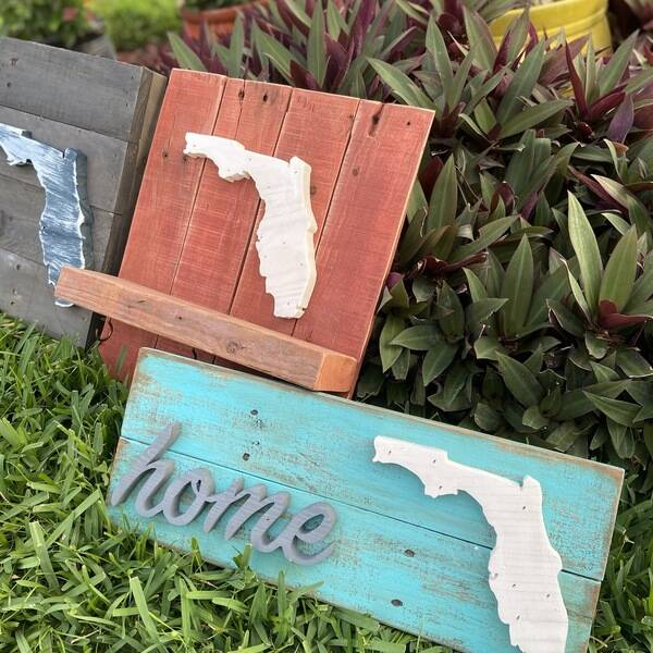 Photo: Florida themed signs