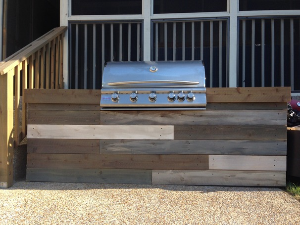 """Reclaimed"" wood built in grill"