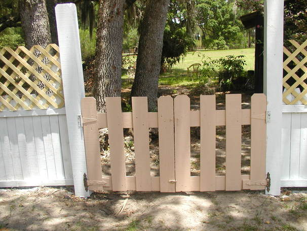 Fence for little