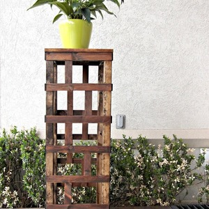 Photo: DIY Trellis Column Project
